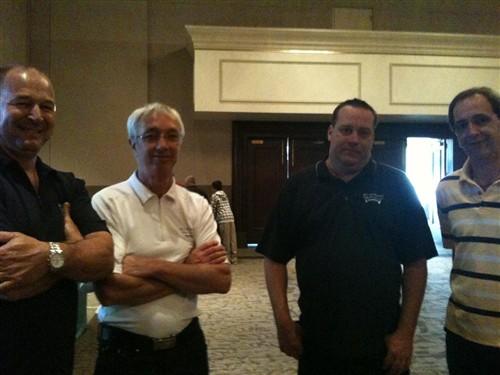Sylvain Tremblay (à gauche), copropriétaire BFT Bowling